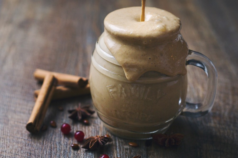 Breakfast Gingerbread Smoothie (Vegan)
