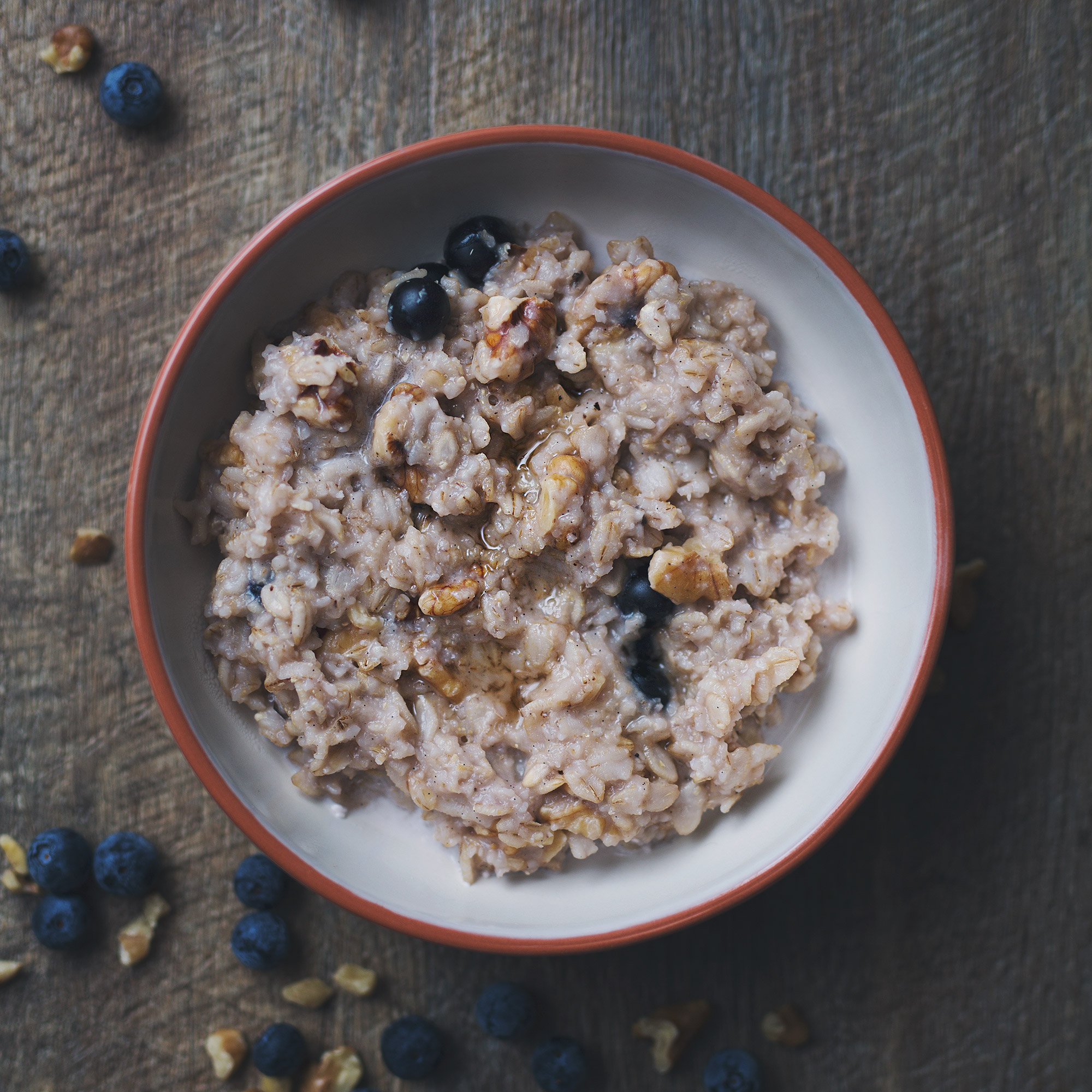 Warm Walnut and Blueberry Barley Porridge