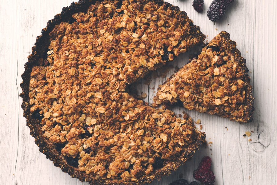 Blackberry Crumble Pie
