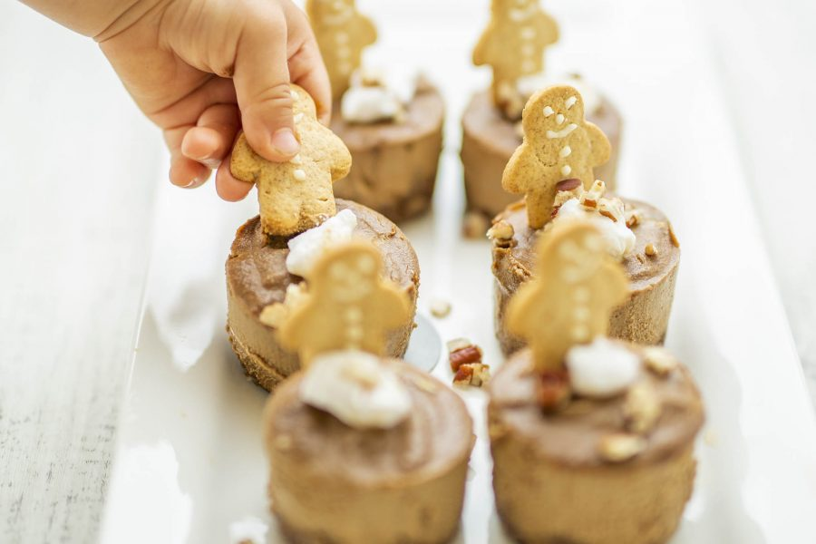 Raw Vegan Gingerbread Mini Cheesecakes