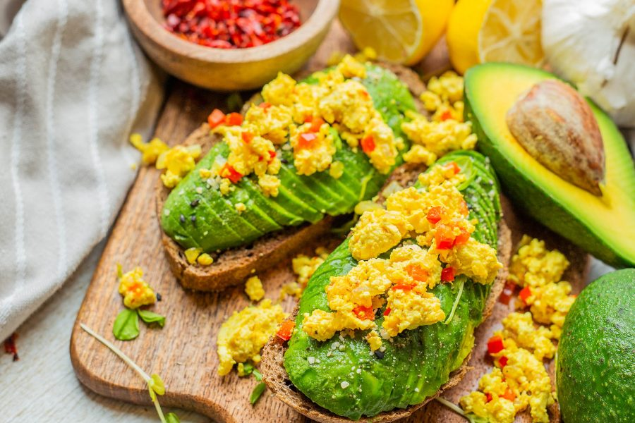Easy Scrambled Tofu: Only 5 Ingredients