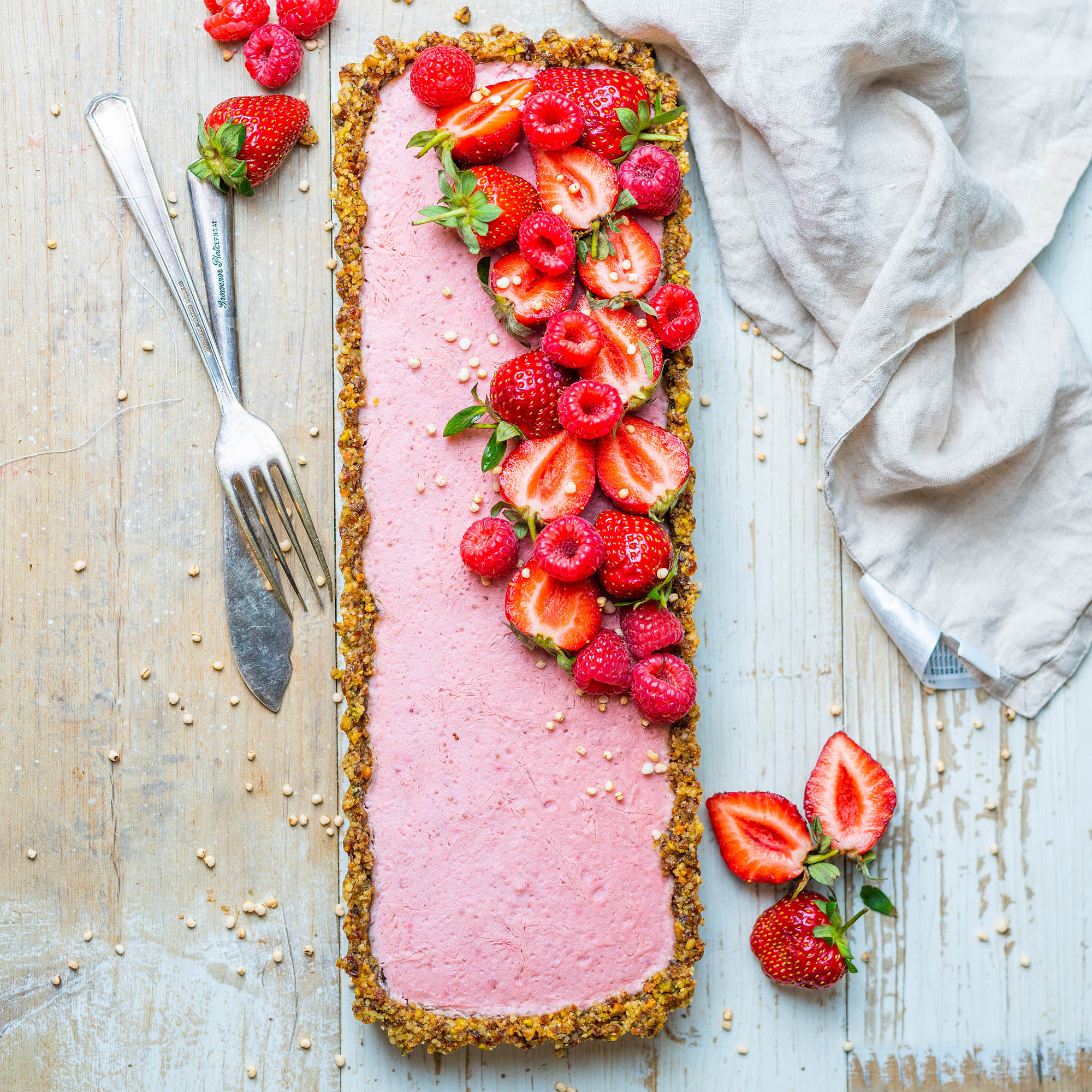No Bake Vegan Strawberry Long Tart. No Cashews, No Coconut